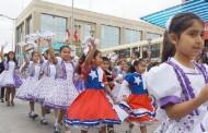Colorido y alegre homenaje a la Patria rindieron los ovallinos