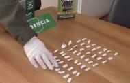 Cayeron con 66 papelillos de pasta base: aseguran que los arrojaron de otro auto