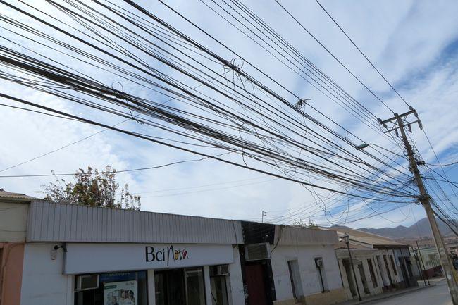 Senado apoya el retiro de tendido de cables aéreos en desuso