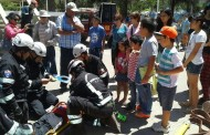 Exposición anual de bomberos admiró a los ovallinos en la Plaza de Armas