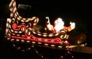 Trineo navideño recorre Río Hurtado llevando a los niños regalos y mucha alegría