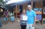 Vecinos de Samo Bajo cambiaron las herramientas por los pinceles