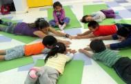 Peques aprenden yoga y ya dicen