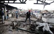 Voraz incendio destruye 23 locales comerciales en la Caleta de Coquimbo.