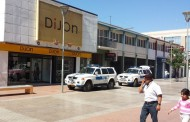 Delincuentes ingresan por la parte posterior a tienda de paseo peatonal
