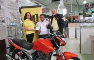 Espectacular moto entregó empresa Dabed a uno de sus clientes