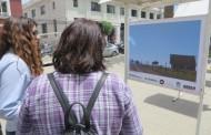 Exposición de fotografías llama la atención de visitantes de la Plaza de Ovalle