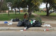 Vecinos de sector El Portal se quedaron con la basura en sus puertas
