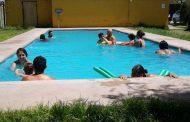 Usuarios de la Oficina Comunal de la Discapacidad disfrutan del verano con hidroterapia