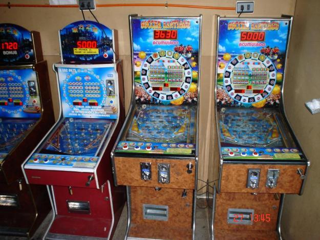 Proyecto : máquinas tragamonedas solo podrían funcionar al interior de los casinos de juego