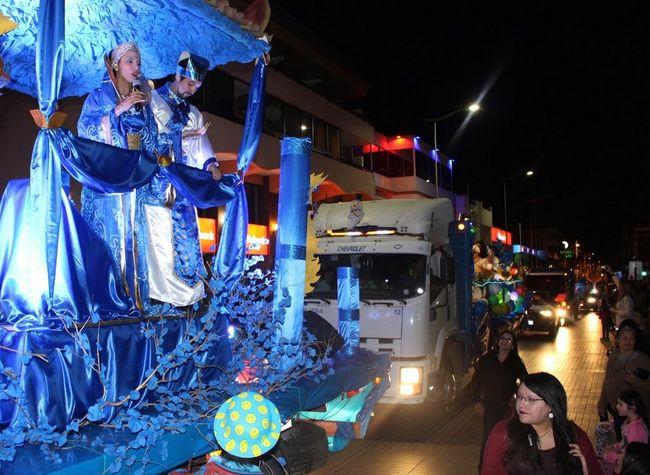 Funcionarios del hospital llenaron de colores las calles de la ciudad con la tradicional farándula