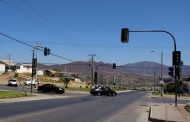 Conductores y peatones nerviosos por corte de importante semáforo