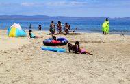Ovallinos aprovechan su camping gratuito en Tongoy