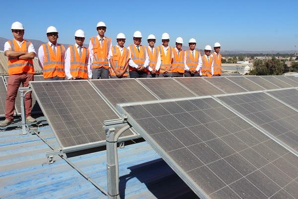 Estudiantes de liceos técnicos de Ovalle conocen plantas de Energías  Renovables