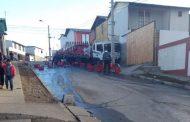 FotoNoticia: Camión distribuidor colisiona con muro de vivienda