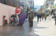 Comerciantes ambulantes del paseo peatonal huyen en desbandada
