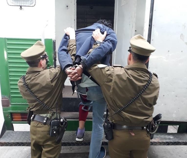 Región: Detienen a sujeto que perforaba techos de casas para robar