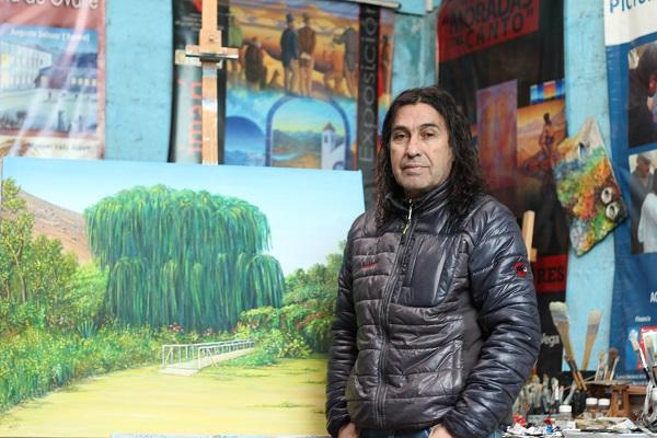 Artista local recrea los paisajes turísticos del Limarí
