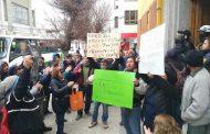 Ambulantes protestan frente al Municipio de Ovalle