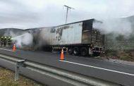Dos vehículos resultaron quemados durante la madrugada