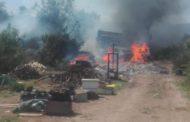 AHORA: Alarma de bomberos llama a combatir incendio de vehículos