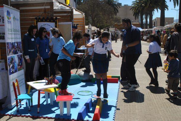 Estudiantes municipales exhiben a la comunidad el resultado de sus talleres y actividades escolares