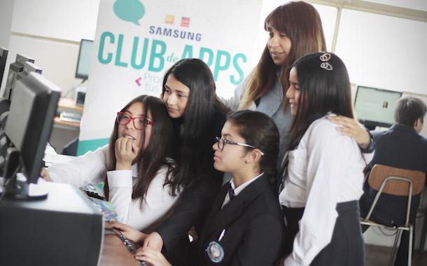 Alumnas de colegio ovallino ganan Concurso de Apps