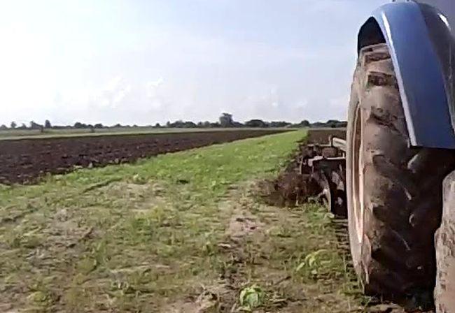 Joven fallece al volcar tractor en el que trabajaba en Monte Patria
