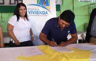 18 familias de las Vegas de Limarí firman convenio que las acerca al sueño de la Casa Propia