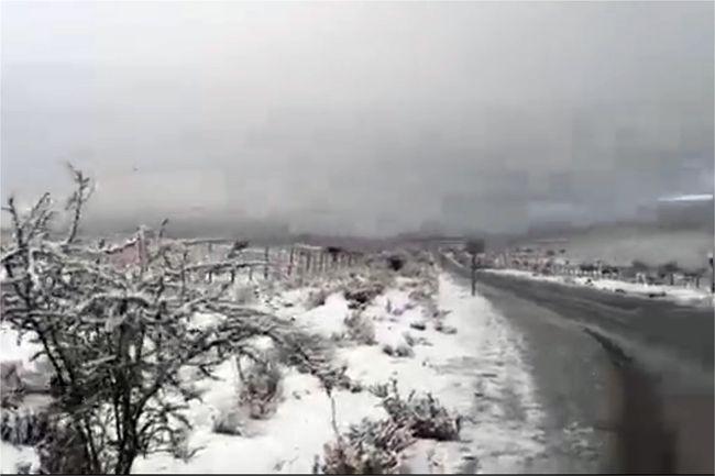 Nieve sorprendió a los combarbalinos esta tarde