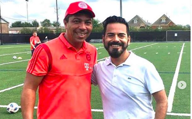 Periodista ovallino en USA la sigue rompiendo: ahora se reunió con jugador leyenda del Bayern München