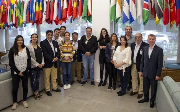 Empresarios del sector turístico de la región exploran en España las nuevas tendencias