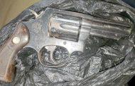 Condenan a sujeto sorprendido con un revolver y municiones