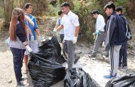 Estudiantes protagonizan operativo de limpieza en la ribera del Río Limarí