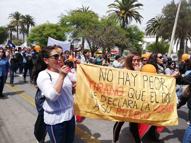 La Salud y la educación se tomaron calles céntricas en ruidosa manifestación