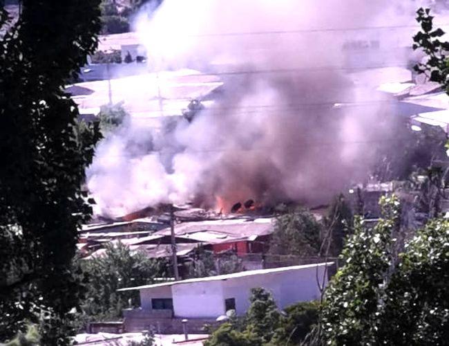 Dos viviendas resultan destruidas por incendio en población 8 de Julio