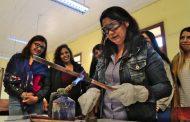 Elqui: 30 mujeres realizan curso de gasfitería de Aguas del Valle