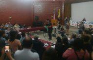 Integrantes del movimiento social llegan hasta el concejo municipal y se manifiestan ante las autoridades