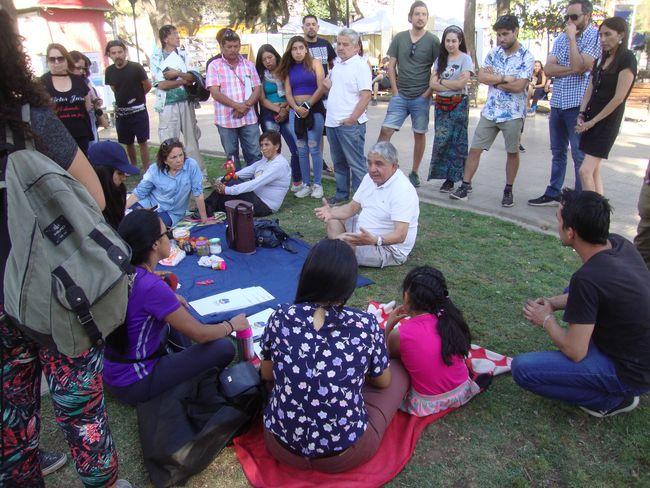 """Asistentes a """"Mateada"""" en la Plaza de Armas plantearon inquietudes a alcalde"""