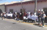 Familiares de joven que falleció atropellado realizan manifestación fuera de la Fiscalía Local