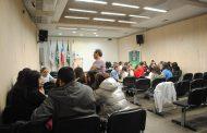 Estudiantes reflexionan sobre su futuro quehacer profesional en medio de la crisis social