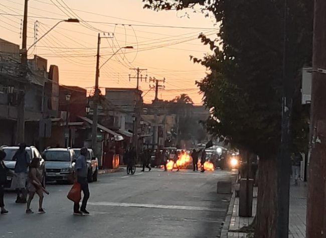 Barricadas en calle Benavente: ¿Contribuyen al movimiento de reivindicaciones sociales?