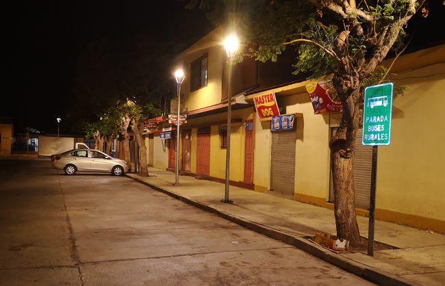 Locatarios y vecinos del sector aplauden nueva iluminación de parte posterior del Mercado Municipal
