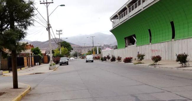 Vecino reclama por alta velocidad de vehículos en la Avenida La Chimba