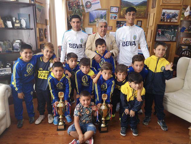 Niños de la Academia Municipal de Ovalle regresaron invictos desde torneo de fútbol en Villarrica