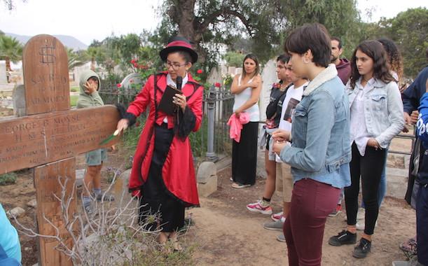 [Verano 2020] Turistas conocieron la historia del Cementerio Inglés de Coquimbo