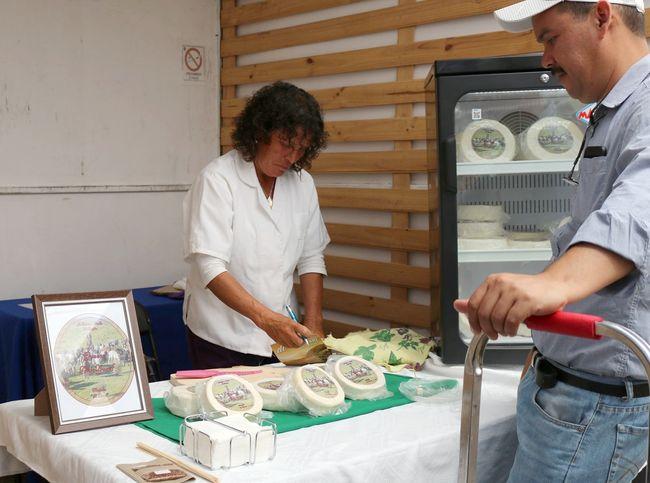 Ovallinos y visitantes disfrutaron de los sabores del tradicional queso de cabra