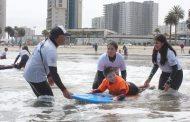 Niños en situación de discapacidad de El Palqui participaron en clases de surf adaptado