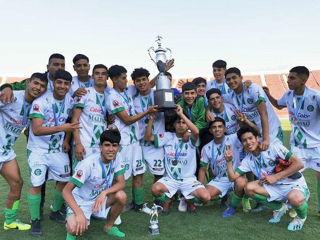Deportivo Ovalle promueve a diez jugadores del equipo de Novatos al plantel de honor