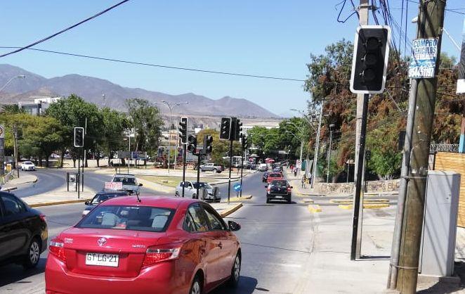 Conductores preocupados por semáforos fuera de servicio en salida norte